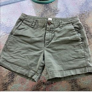 GAP | 4 inch Mid Rise Chino Short Army Green Olive